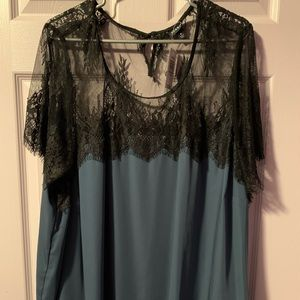Torrid woman's dress shirt
